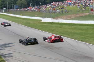 Scott Dixon goes side by side with Jack Hawksworth during the race. Photo by Bret Kelley.